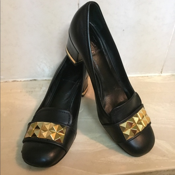 "c3e11ab6f TORY BURCH ""Lizzy"" Black Leather Pumps Gold Studs.  M_5b08f09c3a112eaa0eb2683a"
